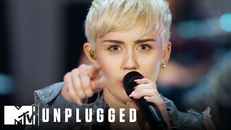 """Miley Cyrus Performs Wrecking Ball"""" MTV Unplugged"""