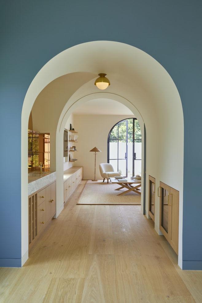 Современный дом в испанском стиле в Калифорнии || 01