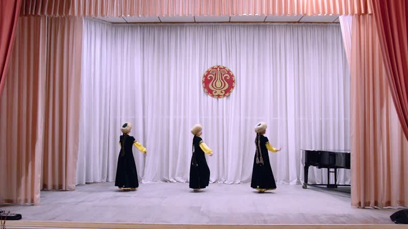 Башкирский танец Бурзяночки АТ Танцевальный городок рук Шаяхметова З Н