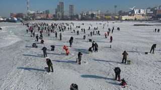 - Во Владивостоке сотни участников собрались на Народную рыбалку и фестиваль корюшки