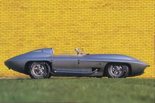 Всё началось с того, что в 1957 году инженеры отделения Chevrolet в очередной раз собрали экспериментальное шасси Таких конструкций было немало: их использовали в качестве агрегатоносителей при