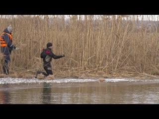 Поиск утонувшего мальчика в реке Тихая Сосна